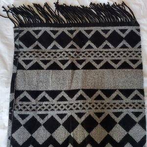 Calvin Klein Large Scarf with fringe